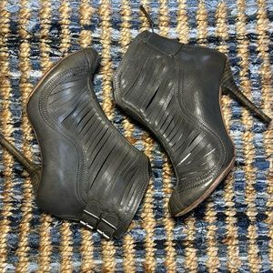 Topshop Premium Piece Leather Slit Booties Size 37
